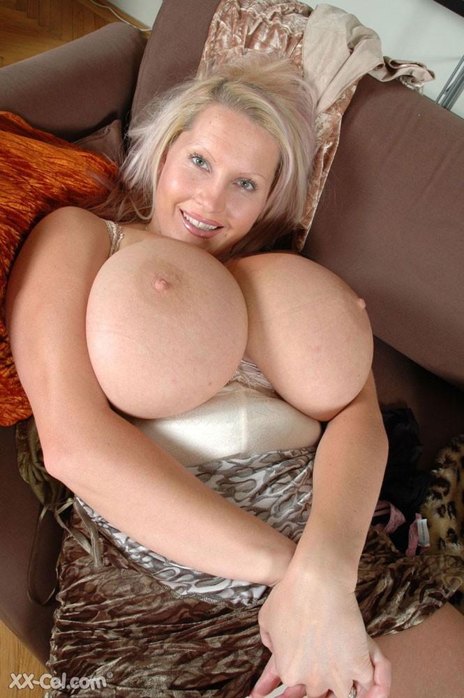 Cel xx Big boobs